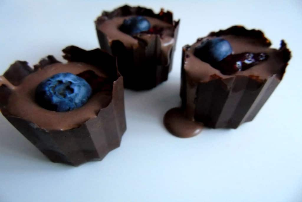 Cestas de chocolate negro y frambuesa