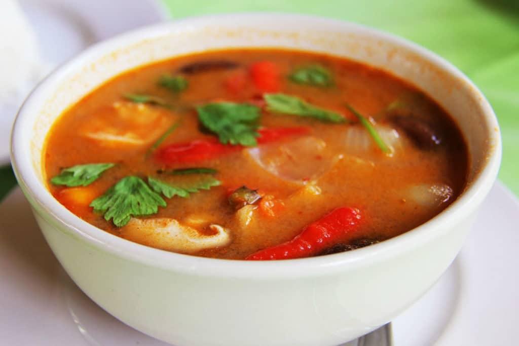 Pan naan y curry de gambas