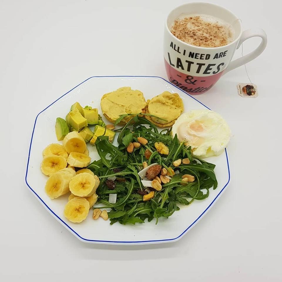 ensalada y pan de quinoa