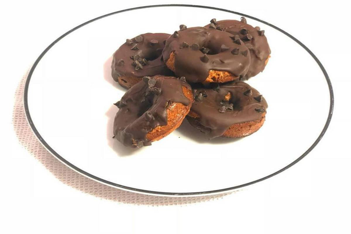 donuts con cobertura de chocolate