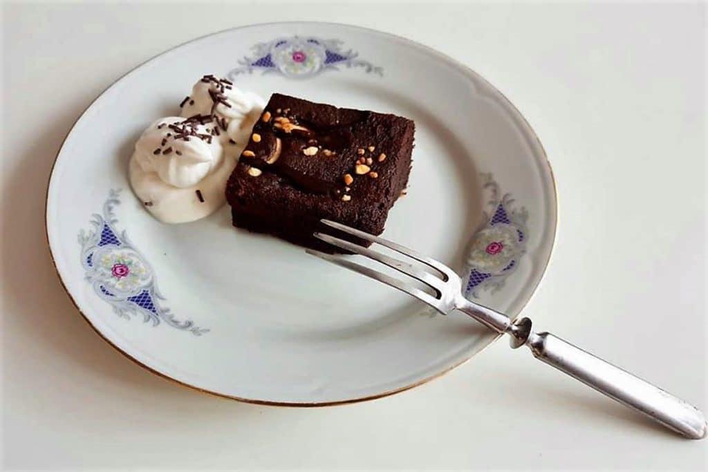 Brownie al microondas (sin gluten, sin azúcar, sin lactosa)