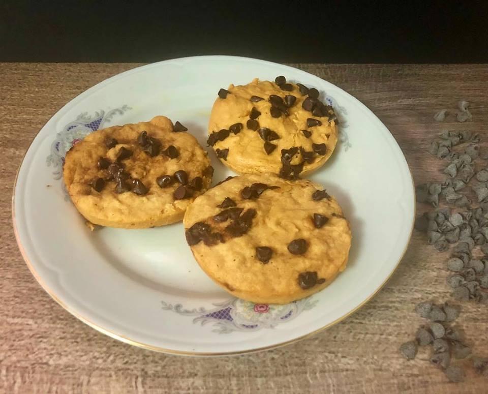 Mug cookie (galleta en una taza) sin gluten, sin lactosa, sin azúcar
