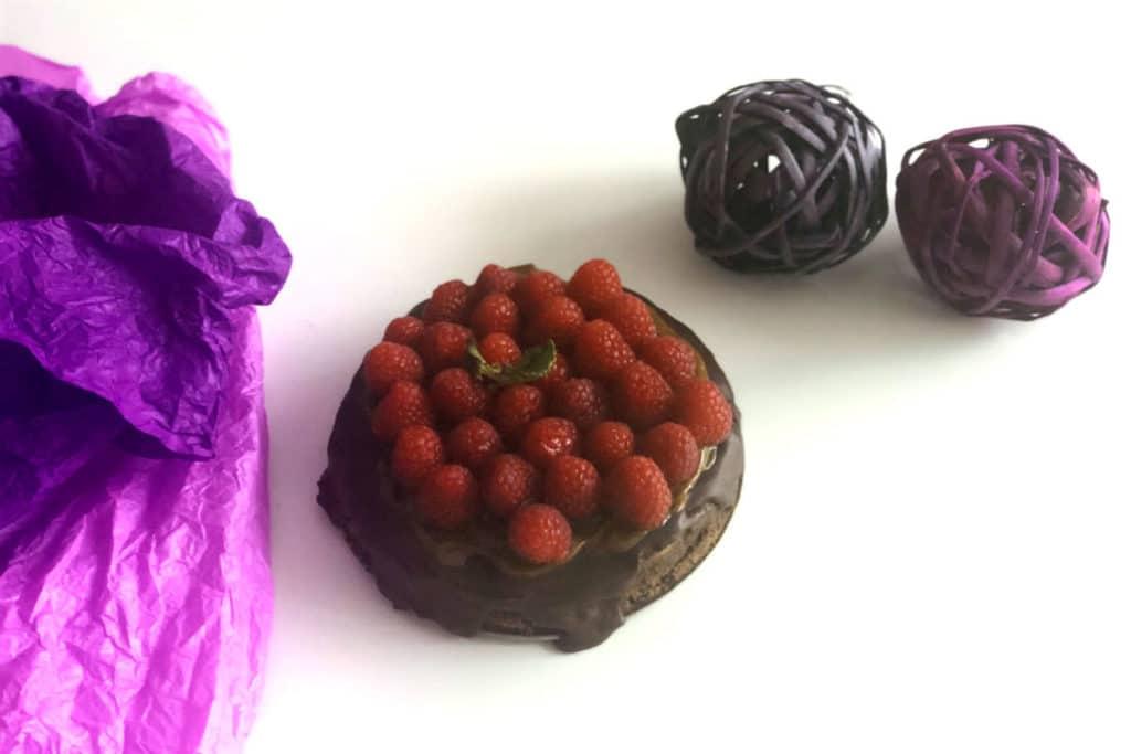 Tarta de tres texturas de chocolate y frambuesas
