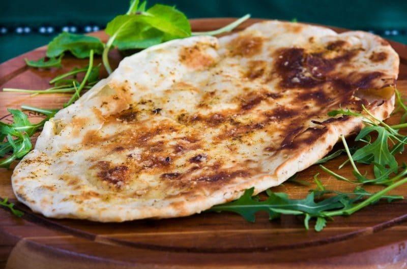 Pan naan con queso